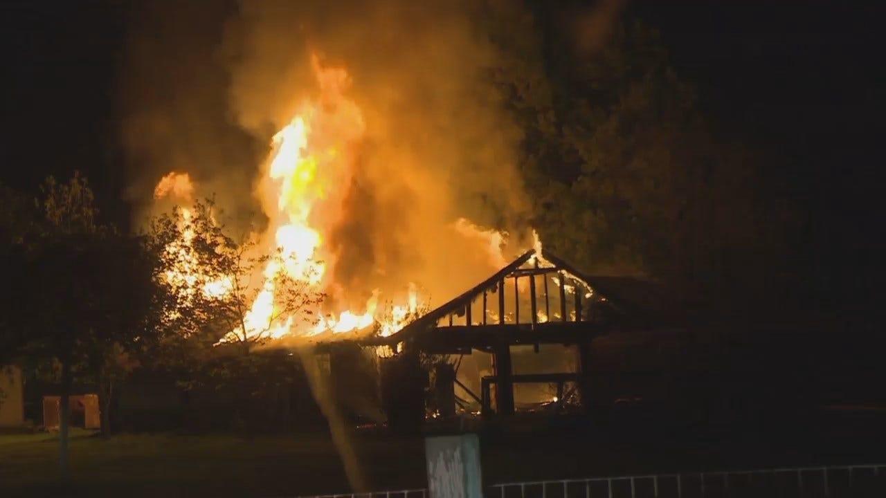 WEB Extra: Man Escapes House Fire Near Jenks