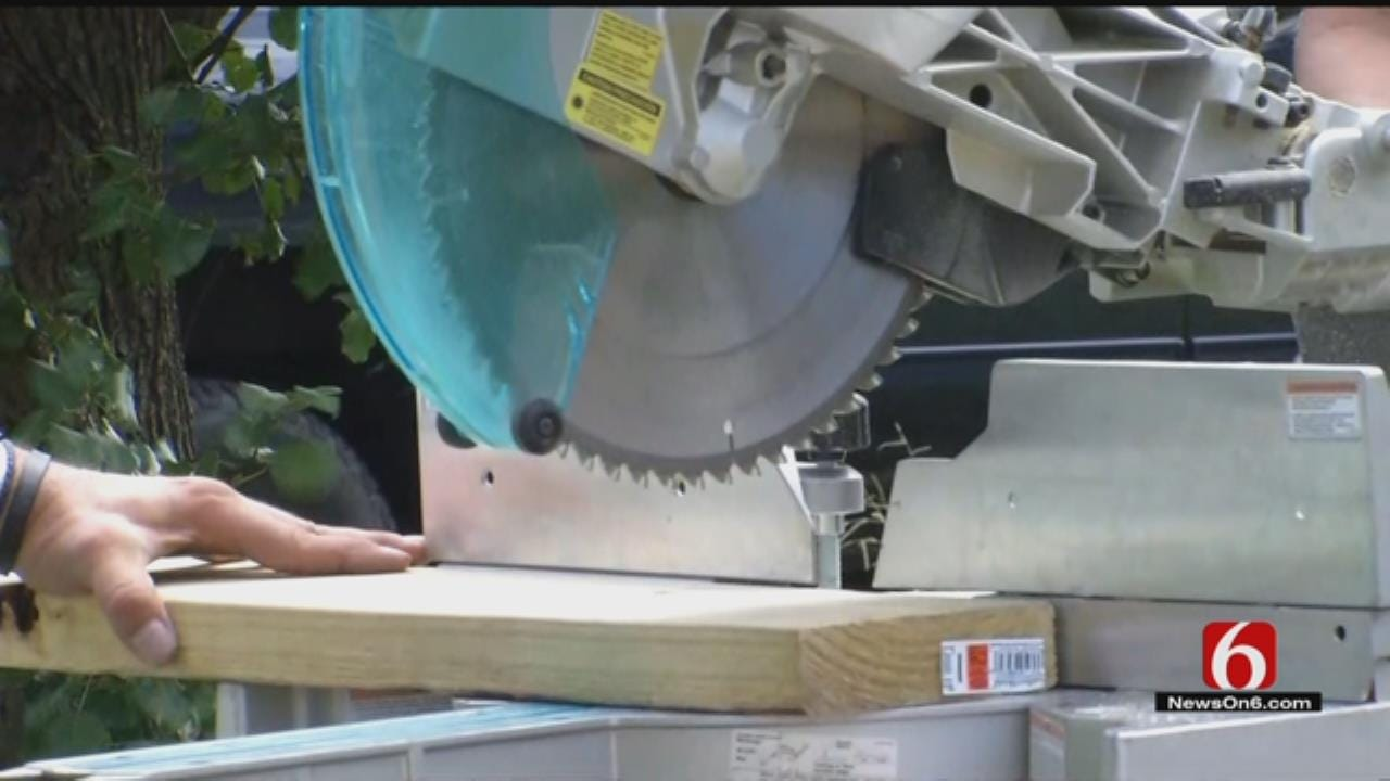 Volunteers Building Wheelchair Ramp For Tulsa Shooting Victim