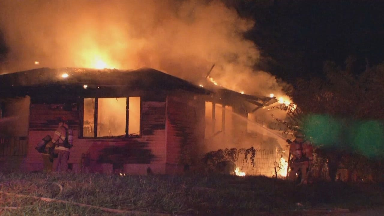 WEB EXTRA: Fire Burns Tulsa House