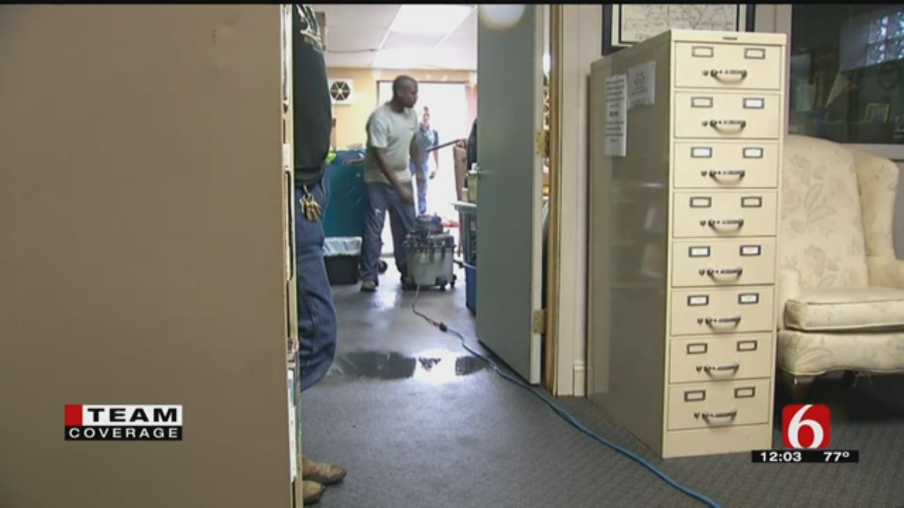 Heavy Rains Leads To Flooding Inside Pawnee's Public Library