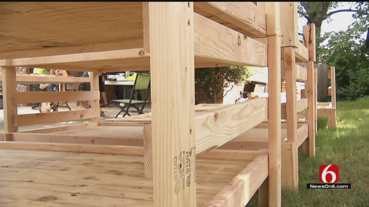 Tulsa Volunteers Build Beds To Donate To James Mission, Foster Kids