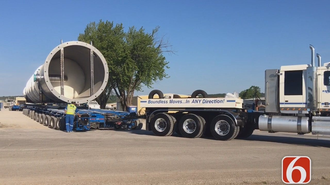 Tony Russell Follows The 215 Foot Long Naphtha Splitter Tower Move