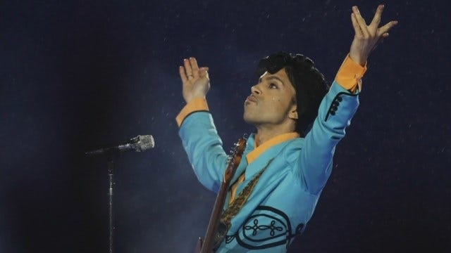 Tulsa Fans Mourn Loss Of Music Icon, Prince
