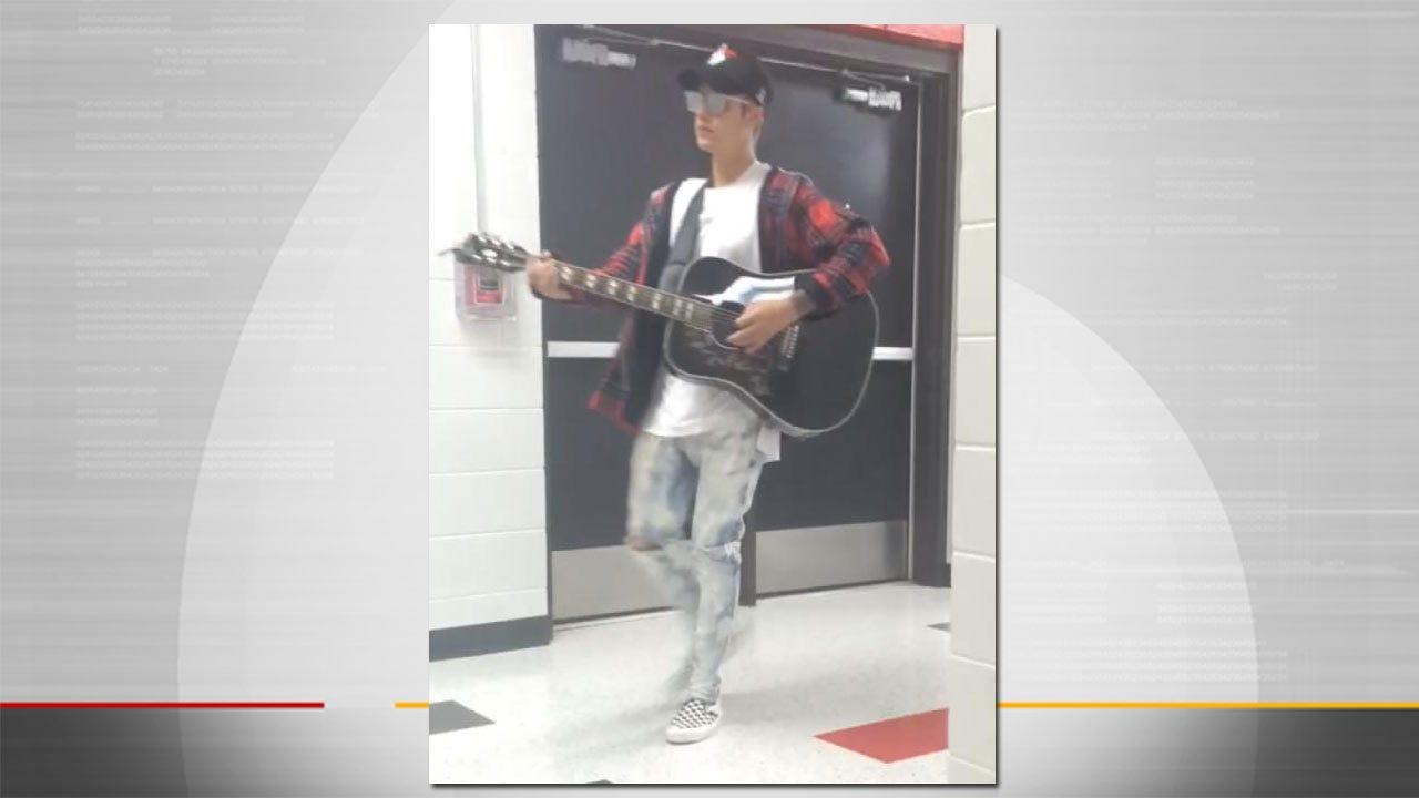 WEB EXTRA: Justin Bieber At Tulsa High School