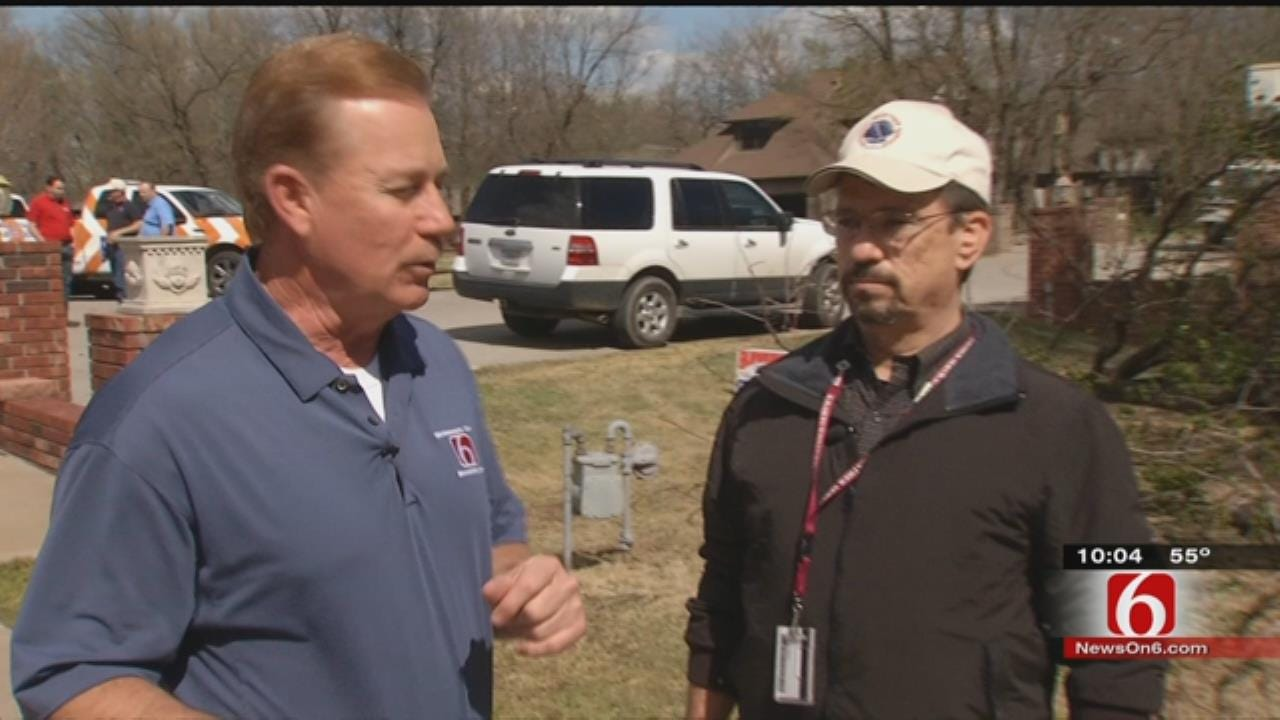 National Weather Service, Travis Meyer, Assess OK Tornado Damage