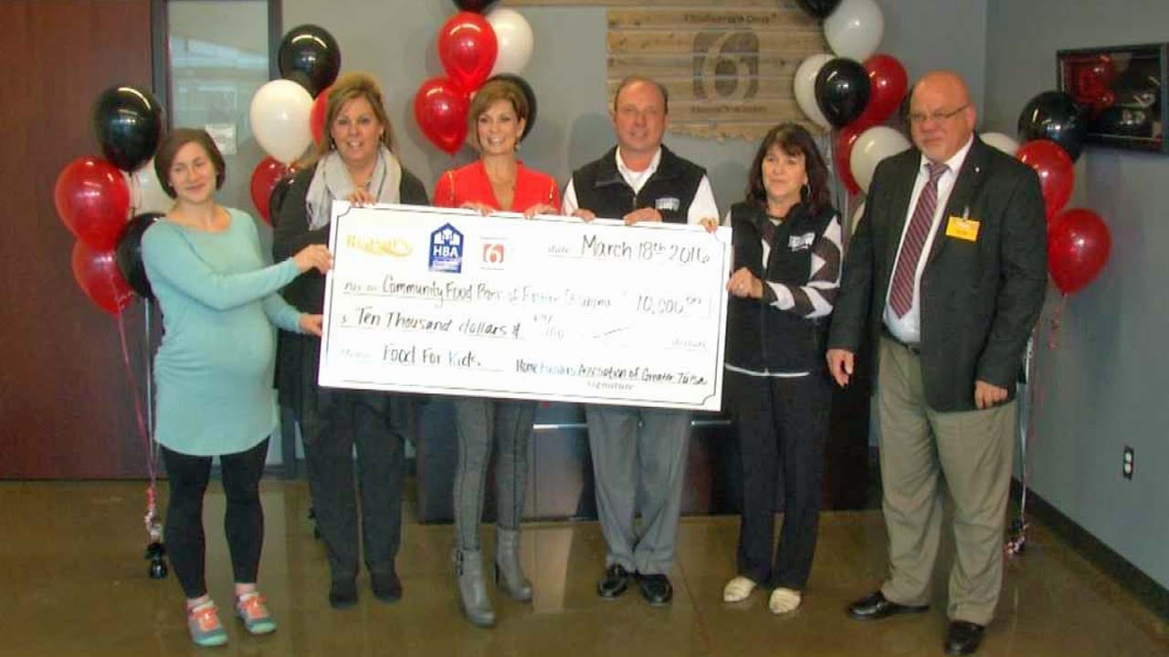 Tulsa Home Builder's Association, Reasor's Donate To Food For Kids