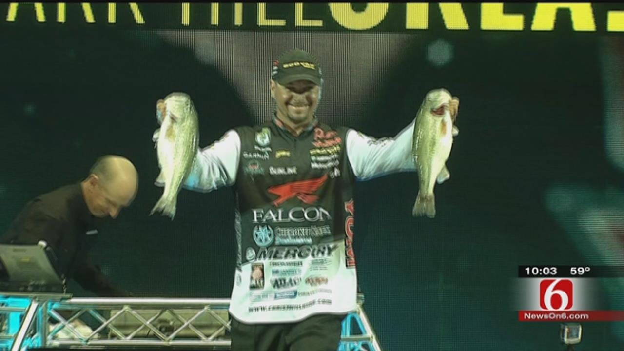 Oklahoman Leads 2016 Bassmaster Classic After Day One