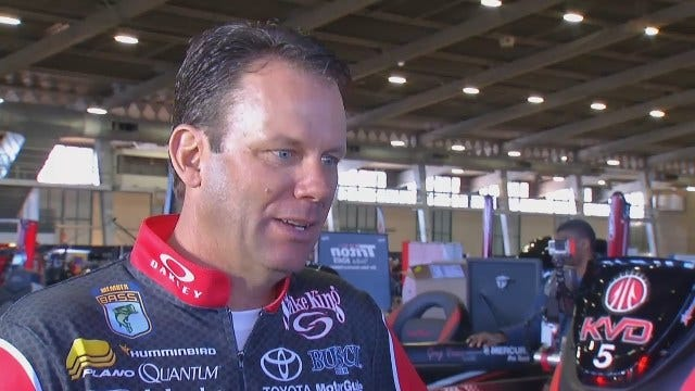 WEB EXTRA: Kevin VanDam Scouts The Local Bassmaster Classic Anglers