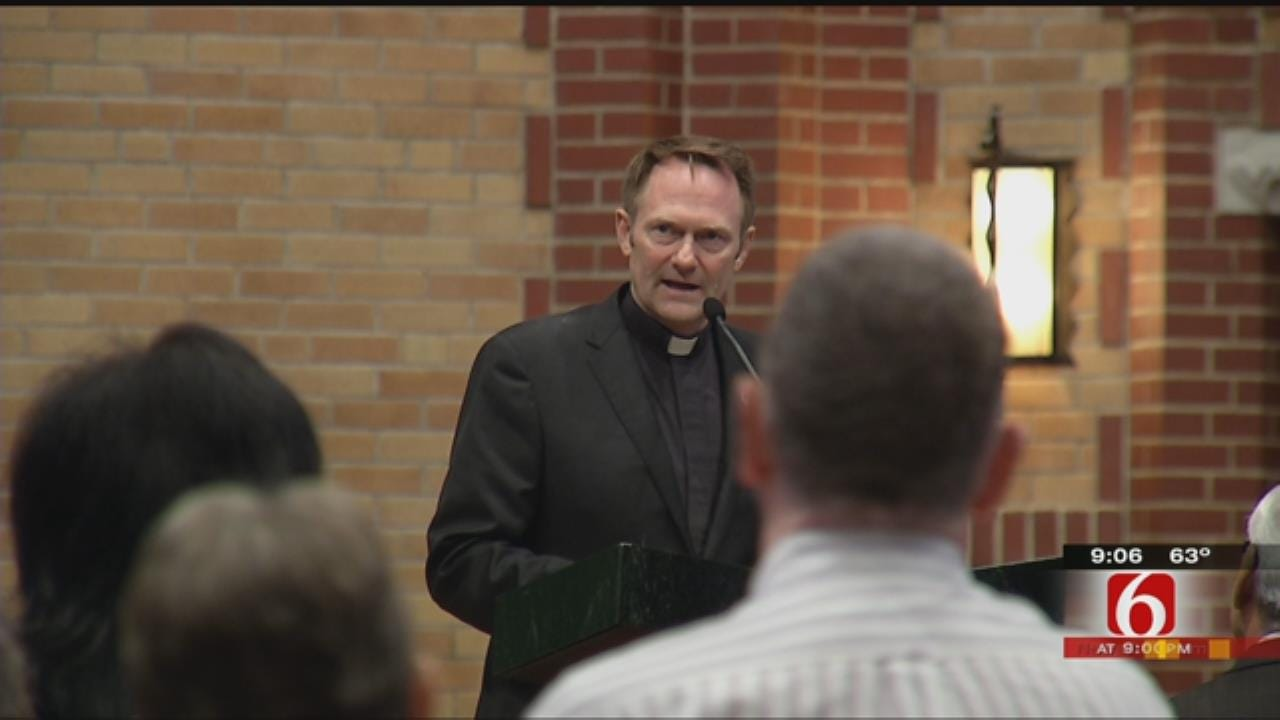 Tulsans Come Together For Annual Inter-Denominational Worship