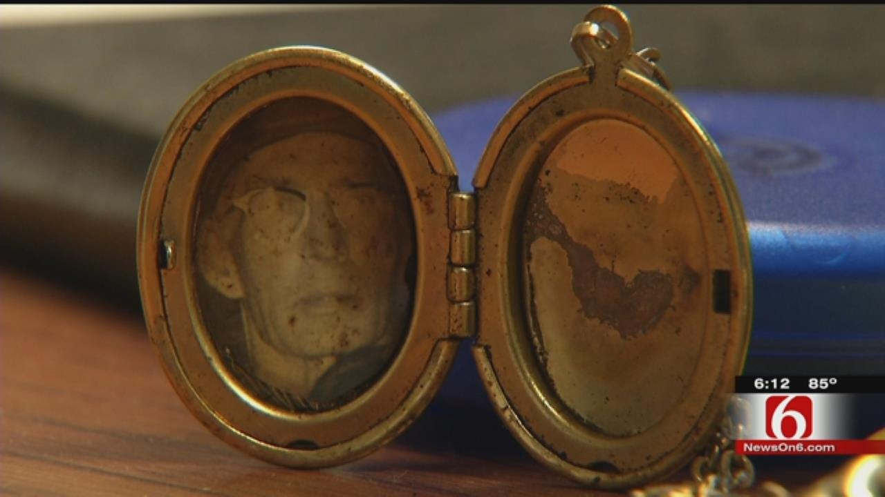 Jewelry Theft Reunites McAlester Woman With Father's Photo