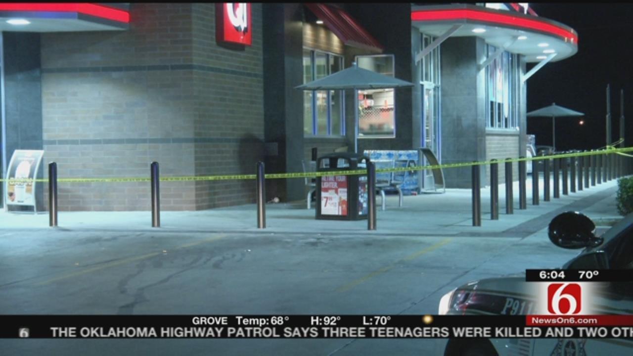 Three Stabbed At Tulsa QuikTrip