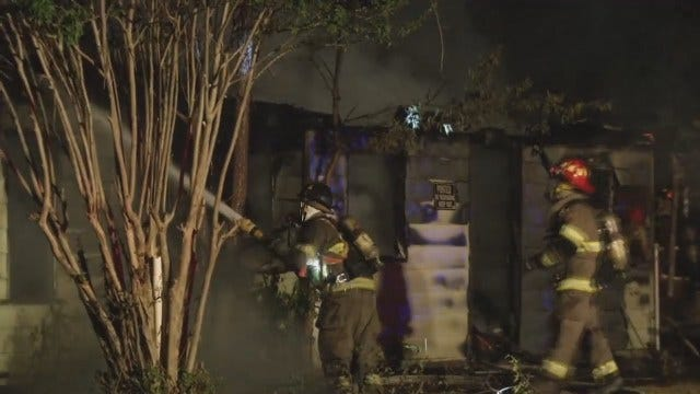 WEB EXTRA: Sapulpa Fire Department At Vacant House Fire