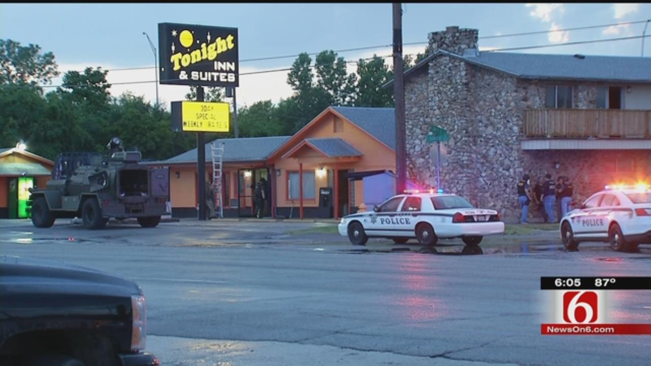 Gang Uses Tulsa Motel As Crime Base, Police Say