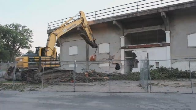 WEB EXTRA: Video Shot By Andy Taylor Of Demolition Of Shulthis Stadium