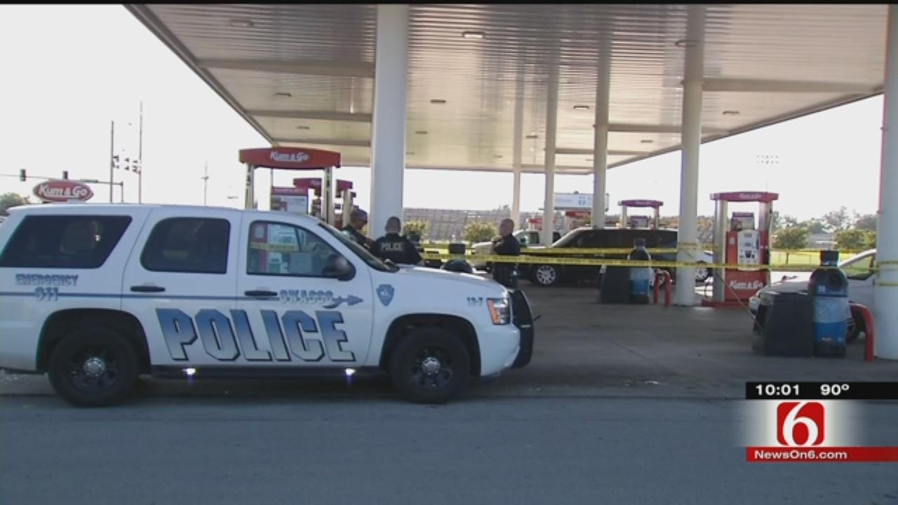 Police Respond To Shooting At Owasso Kum & Go
