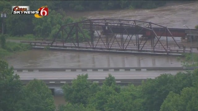 More Video From Osage SkyNews 6 HD Of Flooding Around The Tulsa Area
