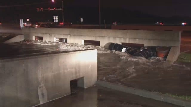WEB EXTRA: Flooding At Highway 75 At 141st Street South