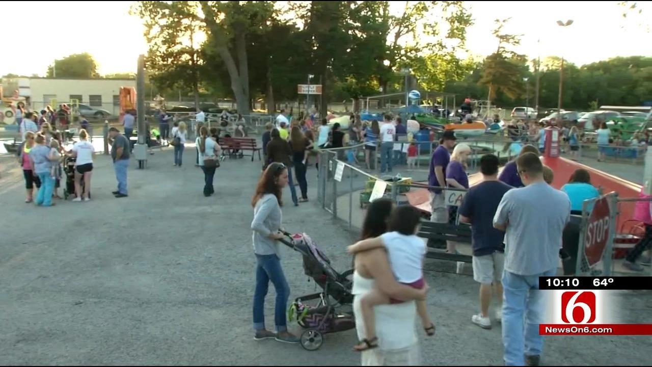 Little Kids Form Long Lines At Bartlesville Kiddie Park