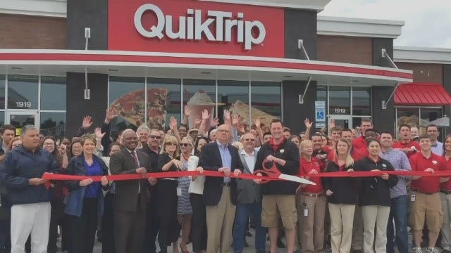 QuikTrip Holds Ribbon Cutting For New Muskogee Store