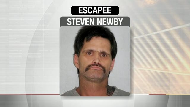Escaped Convict Moves In To Mayes County Couple's Home