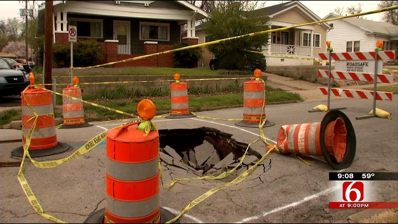 Hole Swallows Midtown Tulsa Street