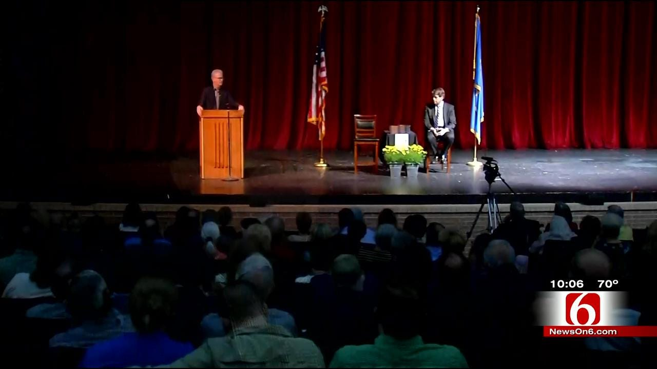 Former Oklahoma Senator Speaks On 'Solution To Limiting Federal Government'
