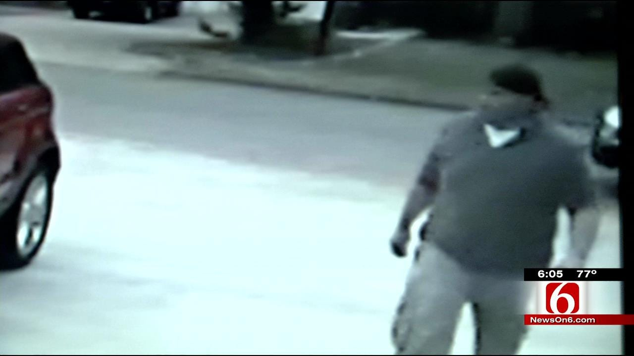 Tulsa Man Hopes Surveillance Video Sinks Golf Club Thief