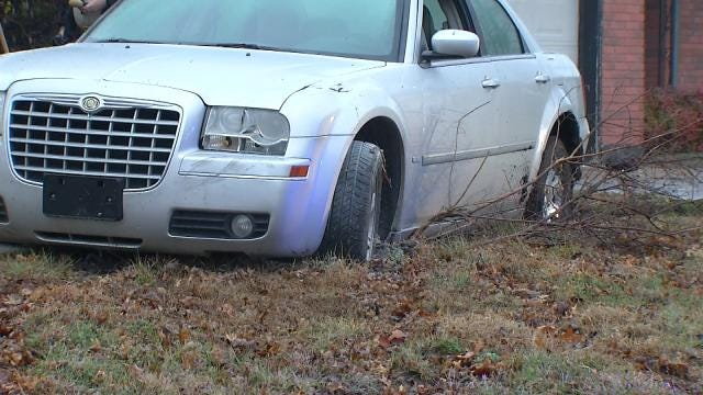 WEB EXTRA: Video Of Car Stuck In Front Yard Of Tulsa Home