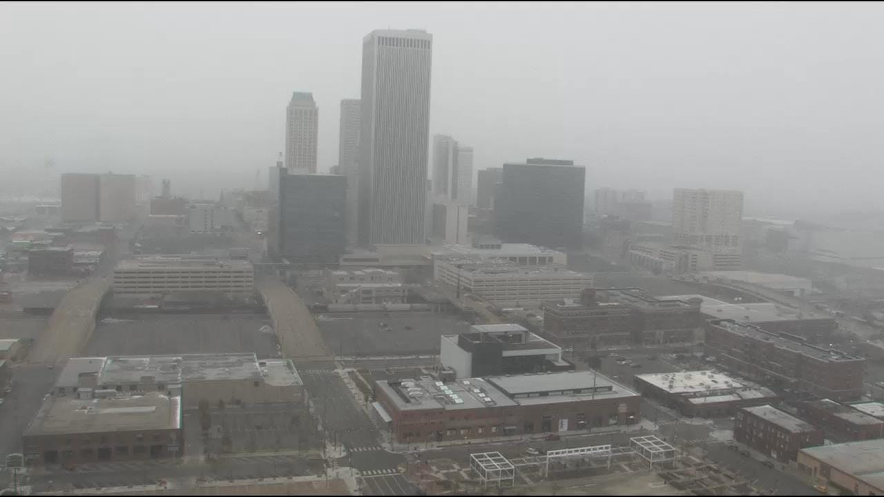 WEB EXTRA: Snow Falling In Downtown Tulsa