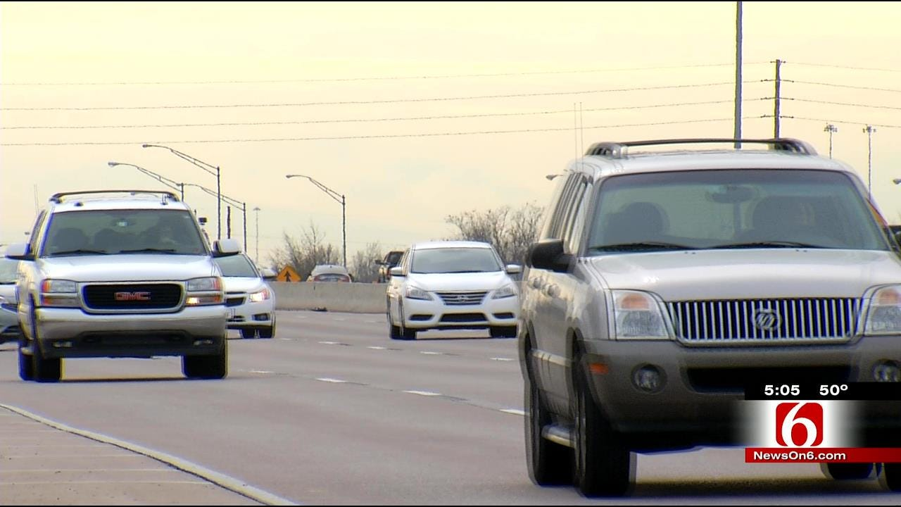 Tulsa Police: Distractions, Not Speed, More Common During Rush Hour Wrecks