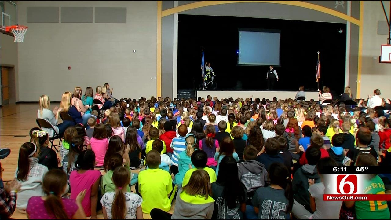 Professional BMX Rider Talks To Broken Arrow Students