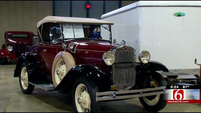Cars Cruise Into Tulsa For Leake Car Auction