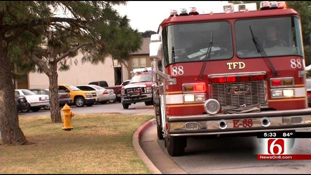 Tulsa Apartment Dwellers Crawl Out Second Story Window During Fire