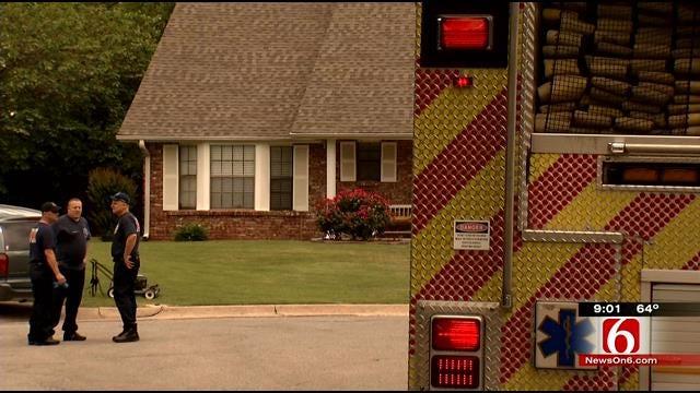 Tulsa Man Pulls Injured Neighbor From Swimming Pool