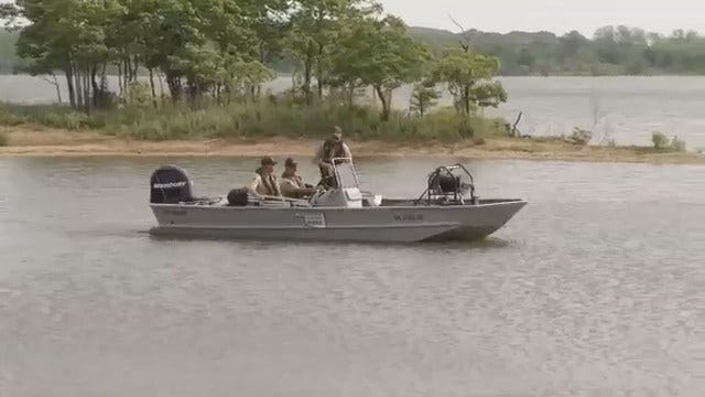 WEB EXTRA: Video Of GRDA Police Search Crews On Lake Hudson