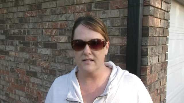 WEB EXTRA: Neighbor Dianne Jones Talks About Trash Truck Crew
