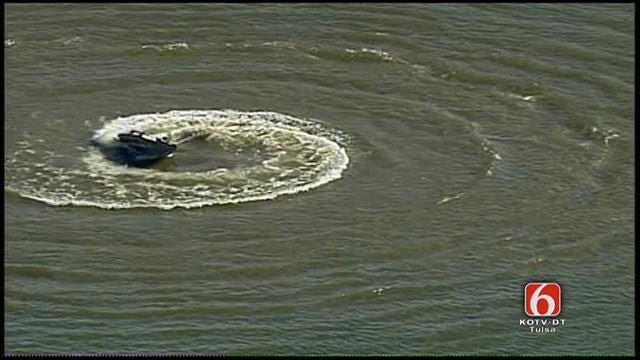 WEB EXTRA: Osage SkyNews 6 Over Runaway Boat In Claremore Lake