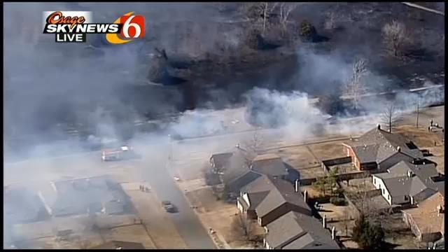 WEB EXTRA: Fire Threatens Broken Arrow Homes