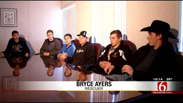 Oktaha High School Basketball Rescues Couple After Car Accident