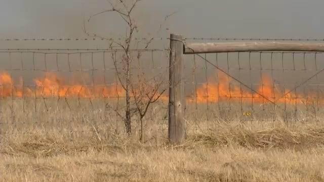WEB EXTRA: Grass Fires Burn In Northeastern Oklahoma