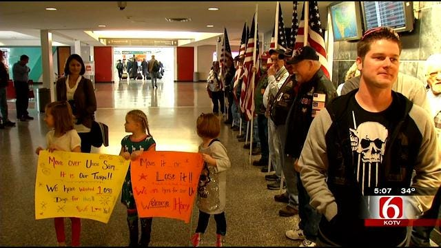 Soldiers Return To Oklahoma After Tour Overseas