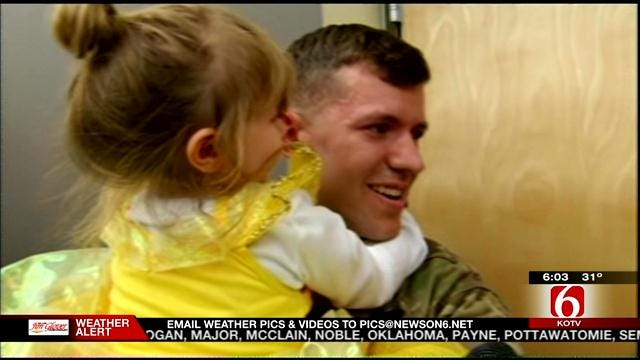 Oklahoma Army National Guard Members Home For Christmas