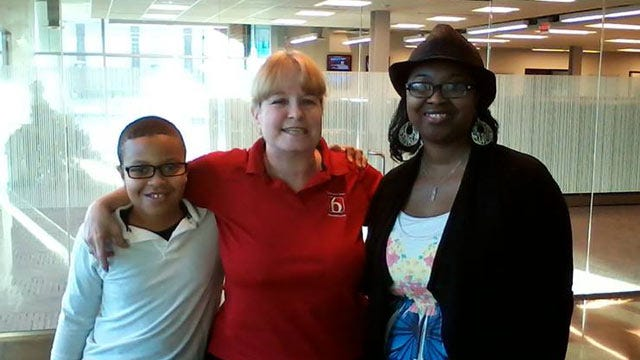 News On 6 Salutes Mom, Son For Doing The Right Thing