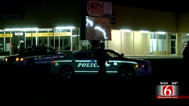 Men Open Fire On Crowd Leaving Tulsa Bar, Wound One