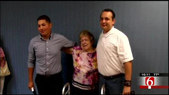 Teen Neighbor, Mailman Honored For Rescuing BA Woman From Fire