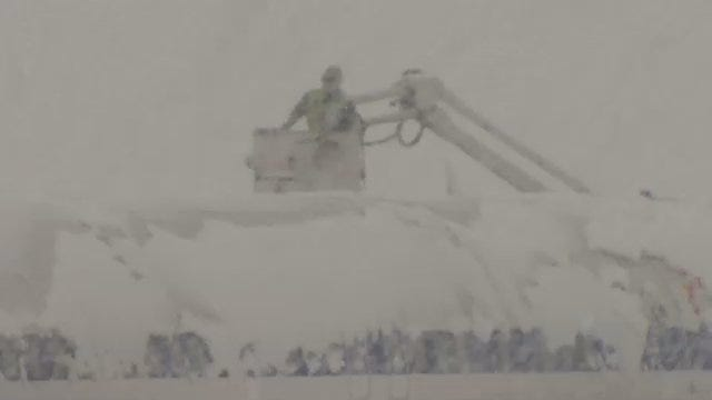 WEB EXTRA: Airplanes Being De-iced At Tulsa International Airport