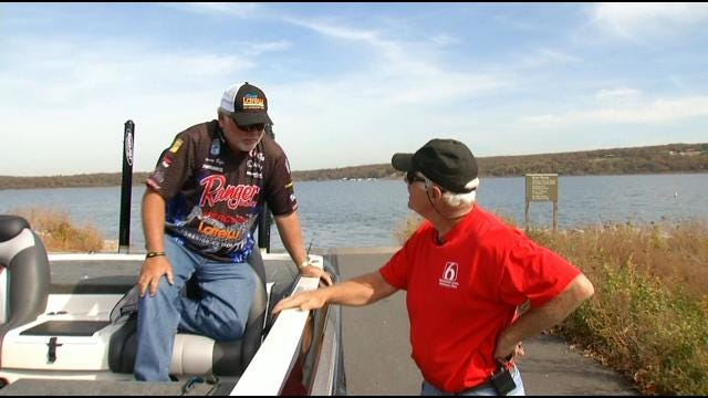 Professional Fisherman Tommy Biffle Goes Fishin' With Faurot