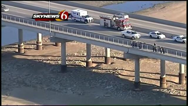 Tulsa Police Investigate Body Found In Arkansas River