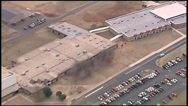 WEB EXTRA: Video Of Coweta Intermediate High School From SkyNews6