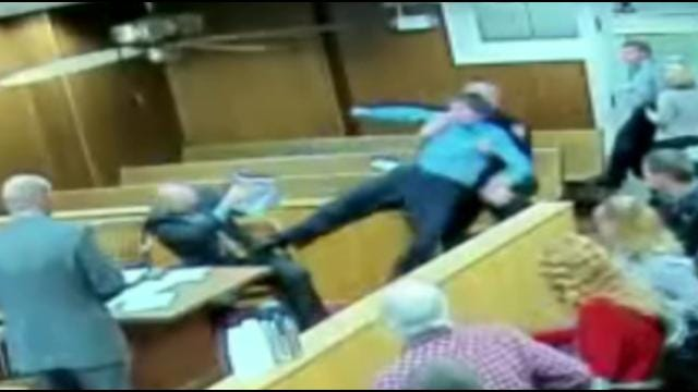 Defendant Attacks Own Attorney In Washington County Courtroom